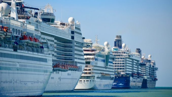 Kreuzfahrtschiffe in Civitavecchia