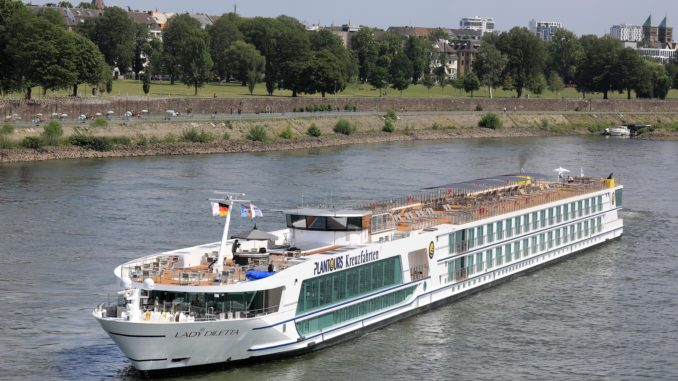Lady Diletta zur Taufe in Düsseldorf. Foto: Plantours Kreuzfahrten