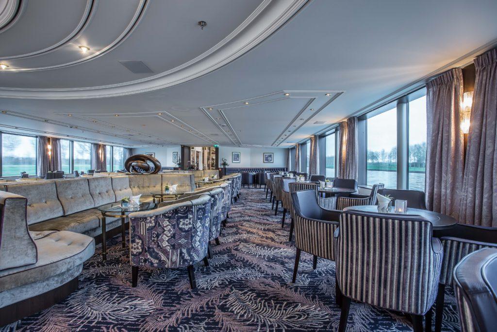 Bar der MS Robert Burns. Foto: VIVA Cruises
