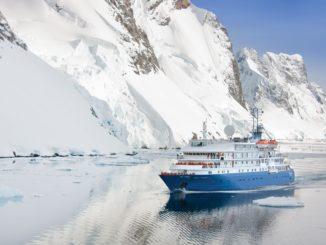 Die Sea Spirit fährt unter anderem nach Franz-Josef-Land im Aktischen Ozean an. Foto: Poseidon Expeditions