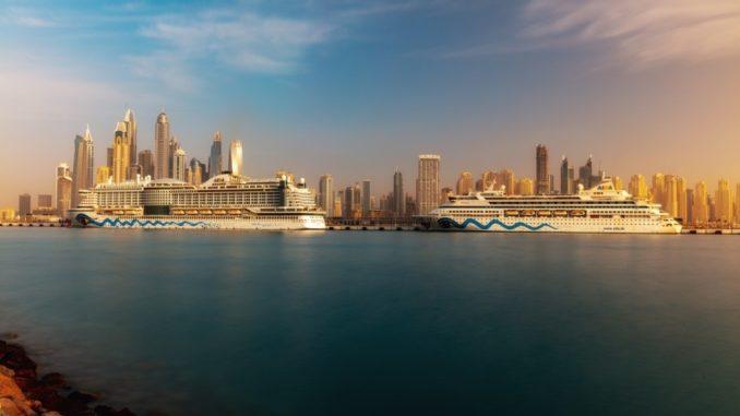 AIDAprima und AIDAvita am neuen Dubai Cruise Terminal. Foto: AIDA Cruises